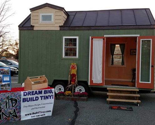 Halloween Hustle Build Tiny house dispaly